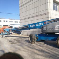 吉尼直臂车38米
